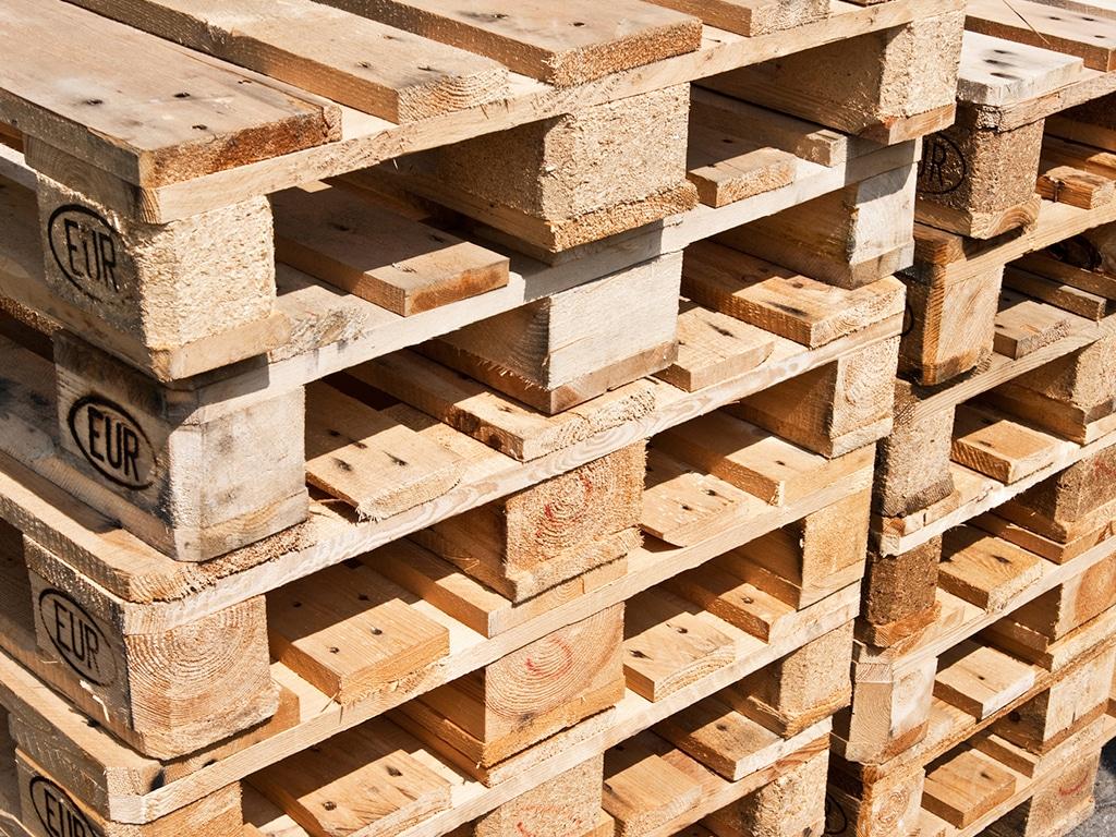tarimas-de-madera-en-tratamiento-termico.jpg